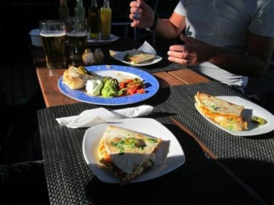 Parky's Bar Bistro: Amazing Quesadillas!