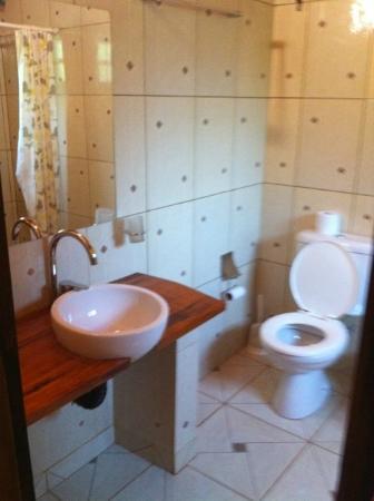 Casa Yaguarete: Bathroom