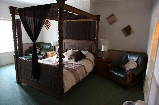 The Penruddocke Arms Hotel