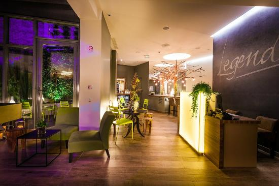 Legend Hotel by Elegancia : Reception de l'hôtel