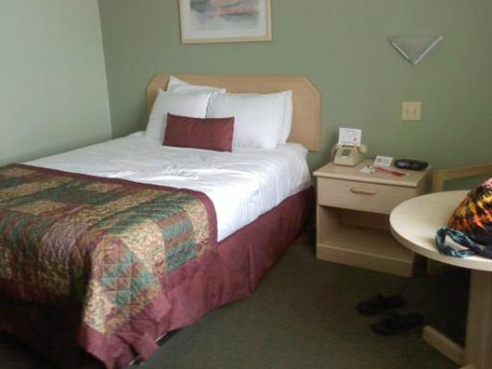 Ramada Hammond Hotel & Conference Center: Queen Bed Room