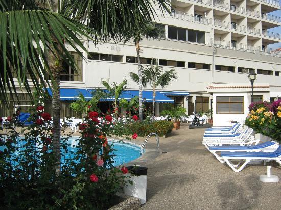 Poolside picture of hotel el tope puerto de la cruz tripadvisor - Hotel el tope puerto de la cruz ...