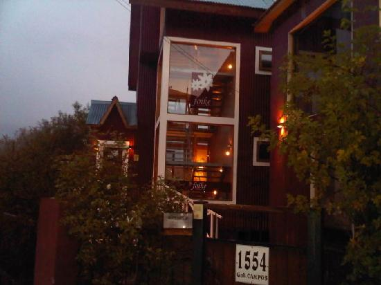 Hosteria Foike: la entrada a la hosteria.. hermosa!
