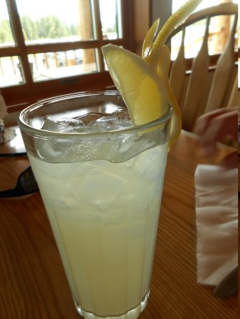 Boondocks Restaurant: fancy lemonade butterfly