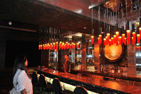 Radisson Blu Marina Connaught Place: the bar