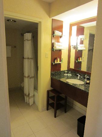 ماريوت جاكسونفيل: Nice bathroom 