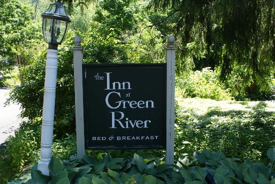 Inn at Green River: The sign post up ahead ...