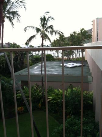 "Marriott's Kaua'i Beach Club: ""ocean view"" unadvertised roof feature"