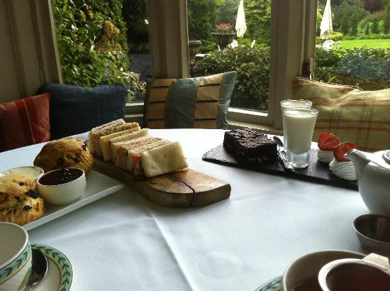 Restaurant at Homewood Park: Afternoon Tea at Homewood Park