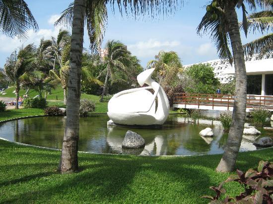 Grandes jardines para el descanso personal picture for Jardines oasis valdetorres