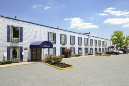 Travelodge-Florence/Cincinnati South: Exterior