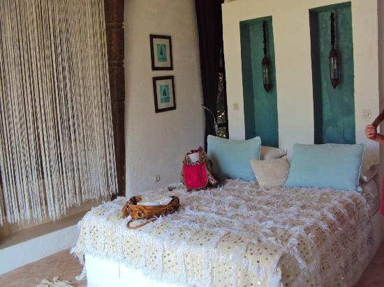 Fawakay Villas: Bedroom in Villa Sannor