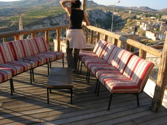 Kilim Pension: Despertar en la terraza