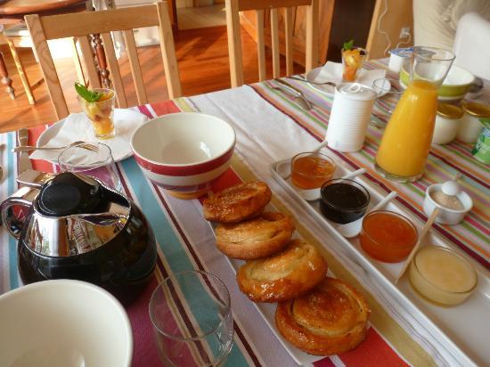 A la Maison Jaune : Petit-Déjeuner