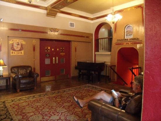 Hotel Monte Vista: Hotel lobby