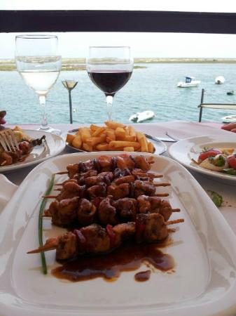 Cabanas, Portugal: Chicken kebab with worcestershire sauce and honey