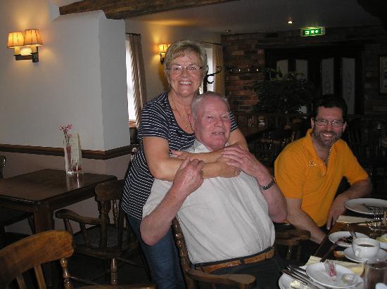 Ye Olde Dun Cow Inn: knud and maggie