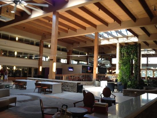 Crowne Plaza, Suffern: great lobby