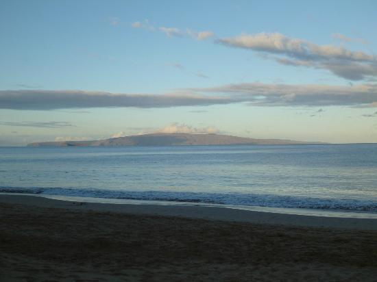 Kamaole Beach Park II : 日の出直後