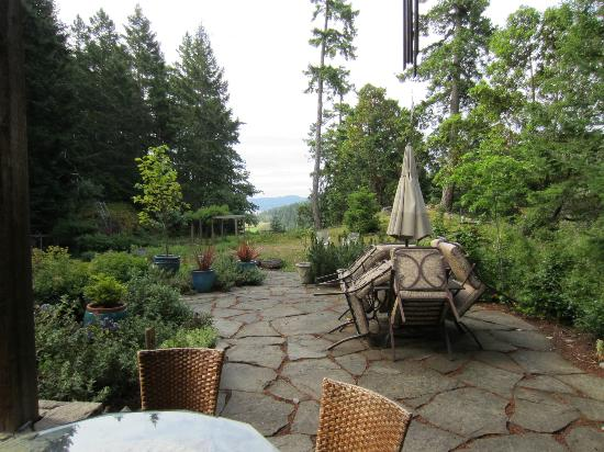 Fernhill Bed and Breakfast: A view from the porch