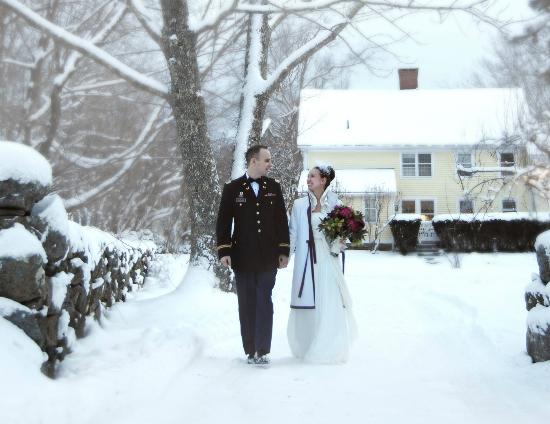 Stonecroft Country Inn: Grounds -- wedding day