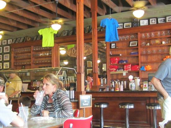 Ozark Cafe : the inside