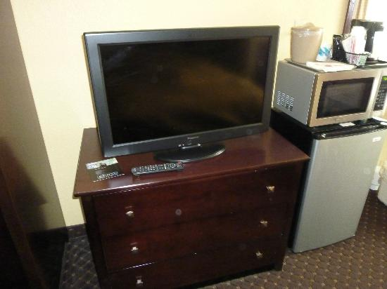 Comfort Suites - Kings Island: t.v , lots of channels