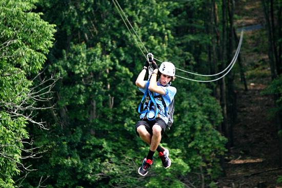Luray, Virginie : Highly trained zipline guides