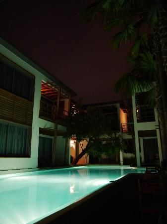 The Paragon Inn: Pool