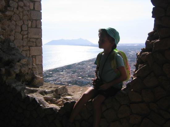 Terracina, Italien: Il Monte Circeo visto dal Tempio di Giove