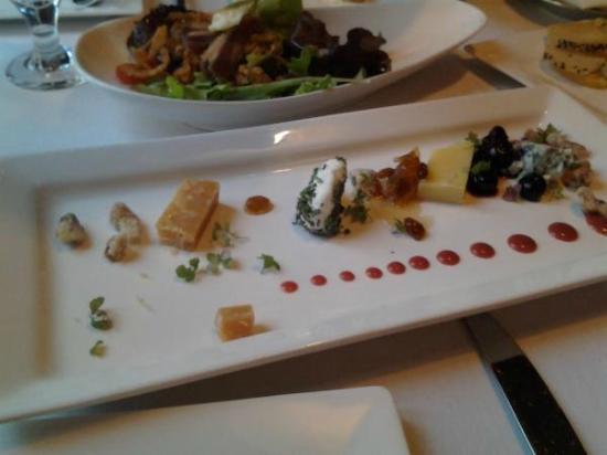 1515 Restaurant: Cheese plate
