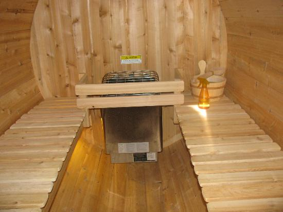 Sitzmark Chalet Inn: Inside of the sauna!