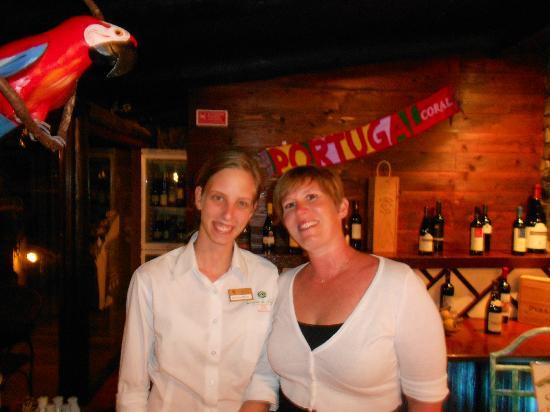 Hotel Quinta Do Serrado: Hotel Bar - with the very lovely Natasha