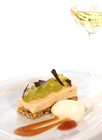 Restaurant Smak: Cloudberry dessert