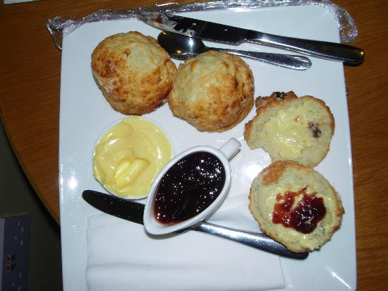 Donegal Manor: welcoming delicious scones