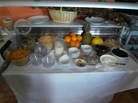 Donegal Manor: also cereals, fruits and fresh baked goods for breakfast