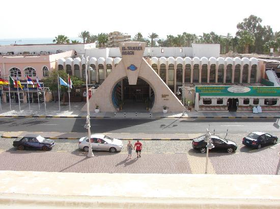 Desert Inn Hotel: Вид с балкона