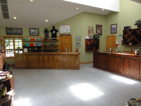 Alexander Valley Vineyards : Inside the tasting room.