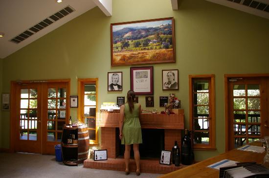 Alexander Valley Vineyards : Back wall