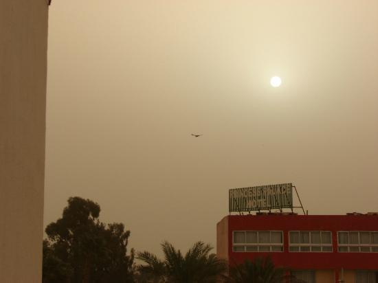 Desert Inn Hotel : Иногда бывают пыльные бури