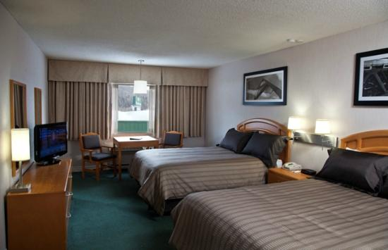 Sandman Hotel Revelstoke: Corporate Two Queens