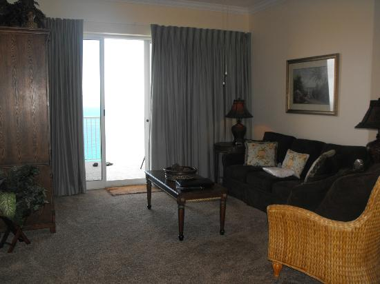 Ocean Villa Condos: Livivng Room