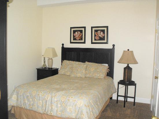 Ocean Villa Condos: Guest Room
