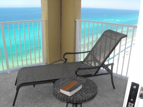 Ocean Villa Condos: Balcony