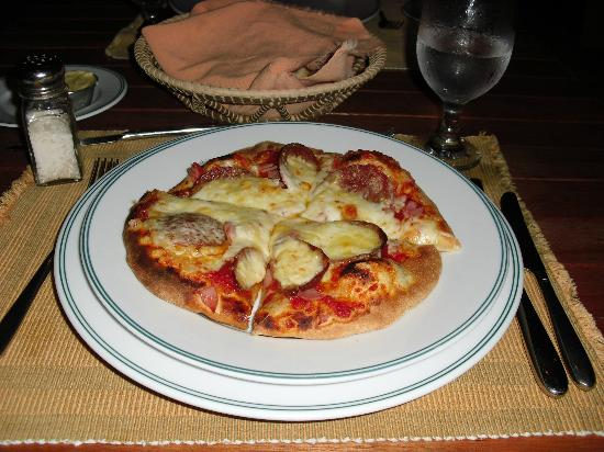 Kanantik Reef & Jungle Resort: Pizza from wood burning stove