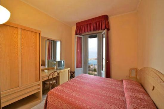 Hotel Ideale Ortona: camera