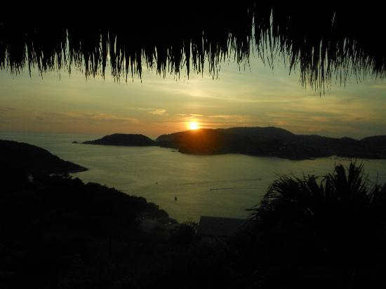 Playa la Ropa: Sunsets on La Ropa