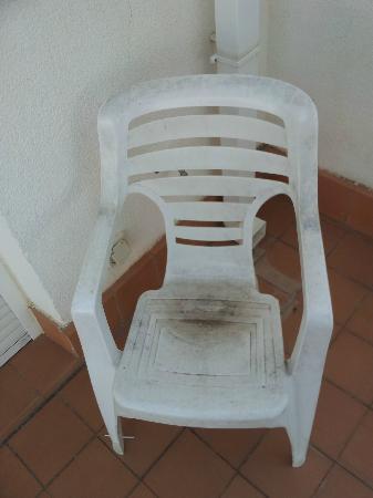 Cumbres de Salou: Filthy chair