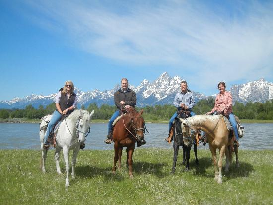 Moose Head Ranch: A beautiful place for a picture!