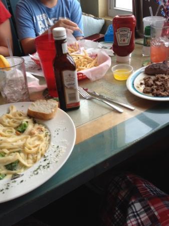Latitude's: dinner time!
